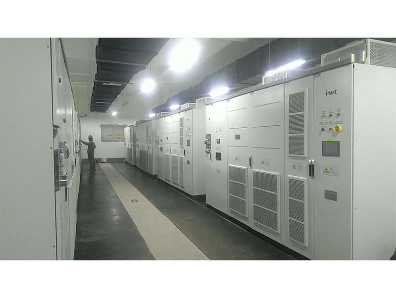 高压变频器维修现场